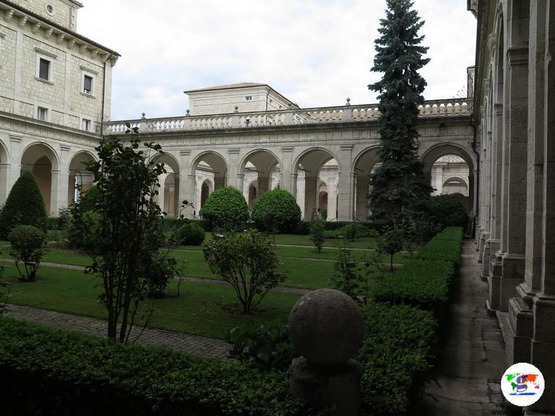 L' Abbazia di Montecassino uno dei chiostri