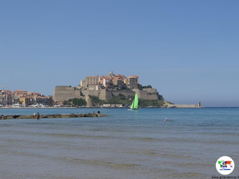 Calvi e la Cittadella sul mare