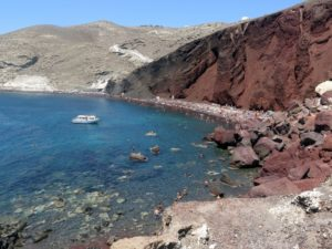 Santorini - la Red Beach