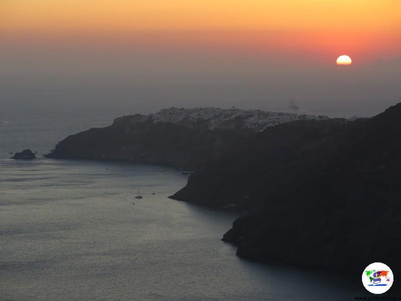 Tramonto a Santorini, la Chiesa di Agios Markos
