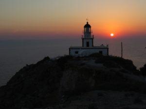 Santorini - tramonto al faro di Akrotiri