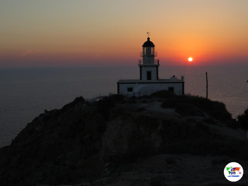 Tramonto a Santorini, Faro di Akrotiri
