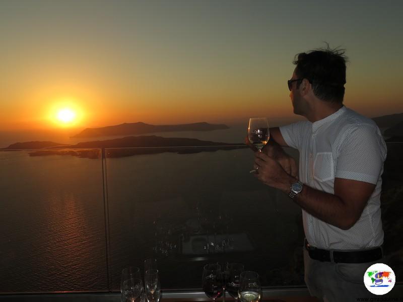 Tramonto a Santorini,  aperitivo presso Wine Santo