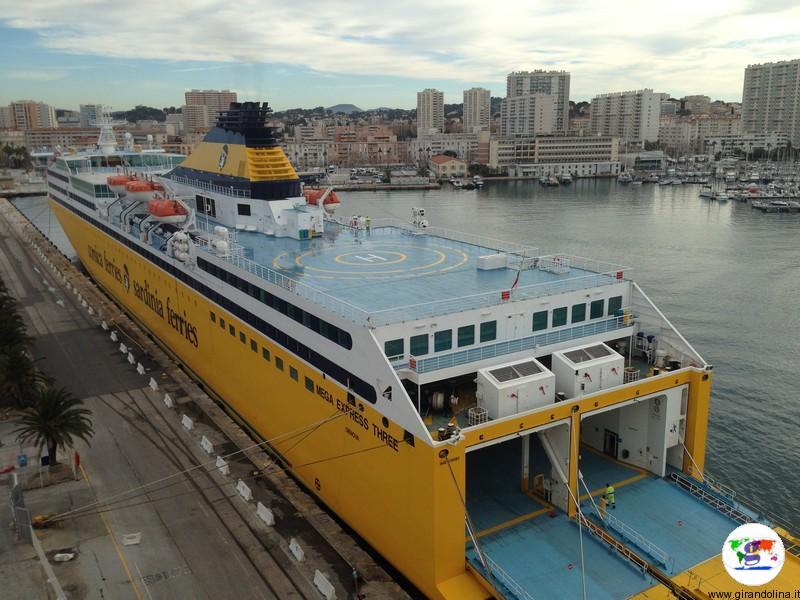 Corsica Ferries ancora al porto di Tolone, Capodanno 2018
