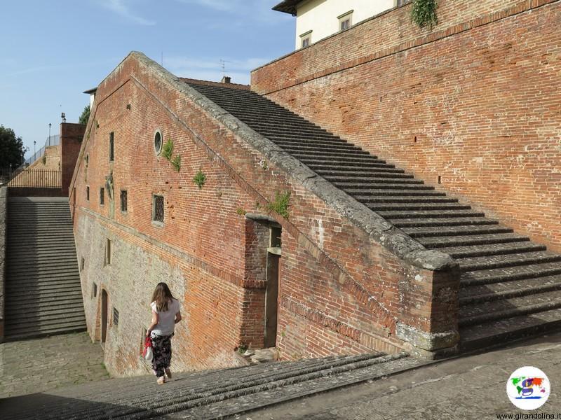 La Villa Medicea di Cerreto Guidi, la scalinata