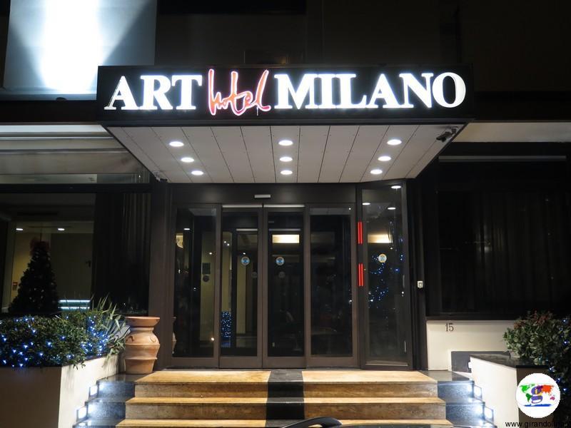 L'Art Hotel Milano Prato, l'entrata