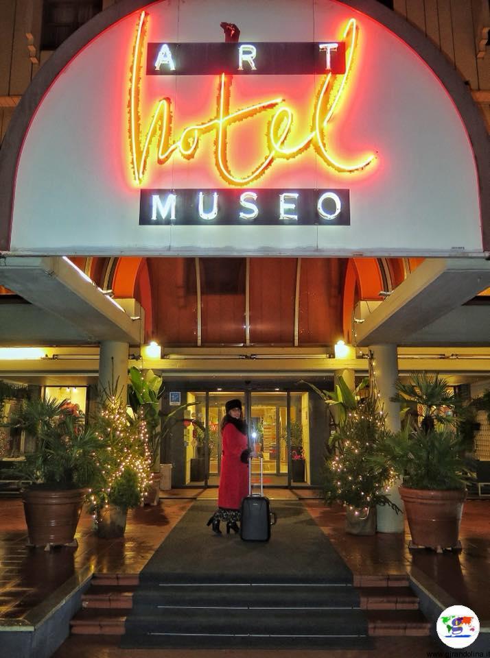 L'Art Hotel Museo Prato, l'entrata