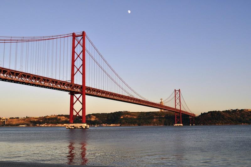 skyscanner-lisbon-portugal-pixabay
