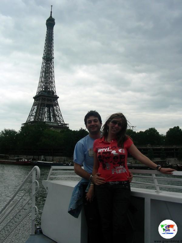 La Torre Eiffel vista dai bateaux mouches