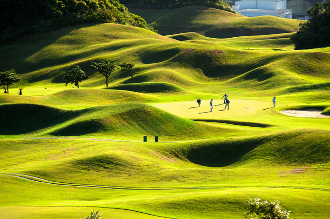 Le destinazioni piu colorate in primavera, Edimburgo e i campi da golf ( photo credits Skyscanner)