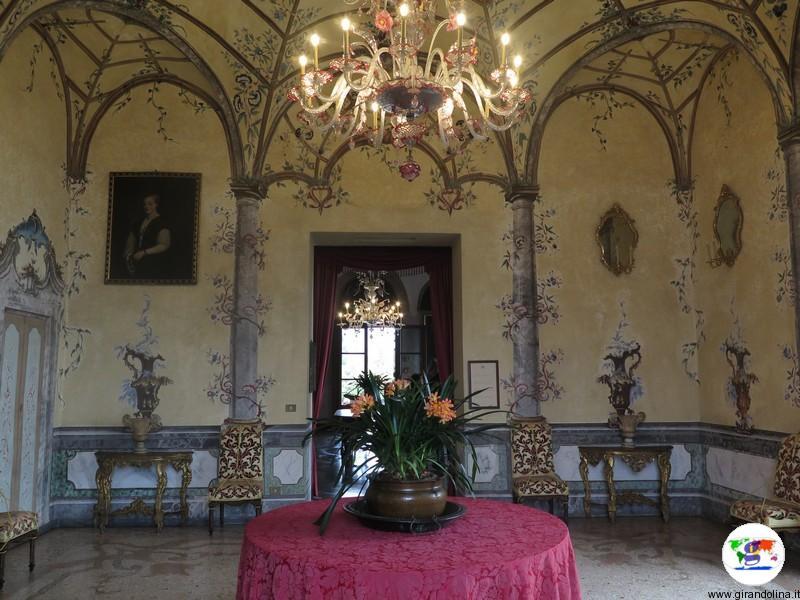 Isole Borromee -Salone d'entrata Palazzo Isola Madre