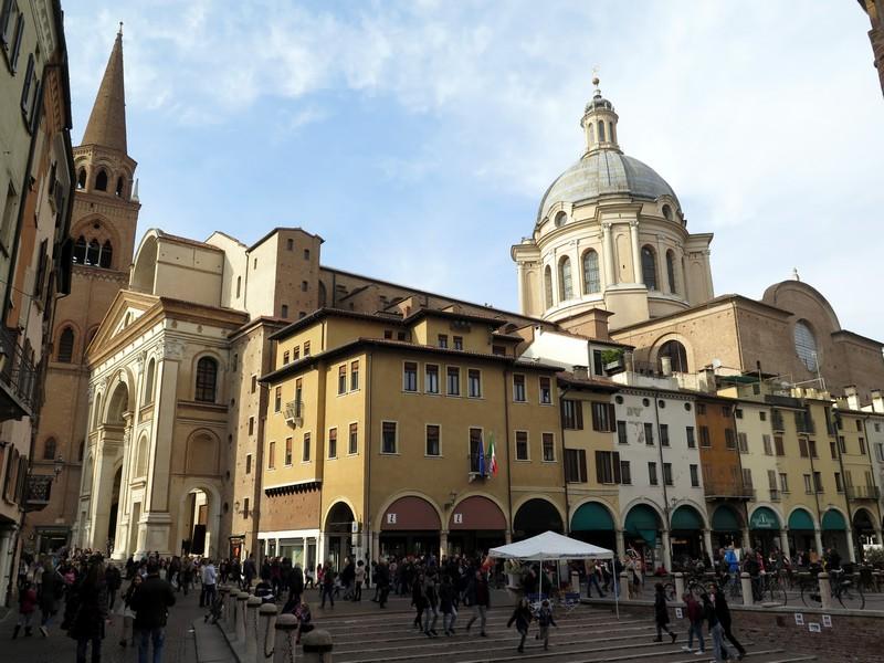 Hotel Broletto Mantova, la piazza principale