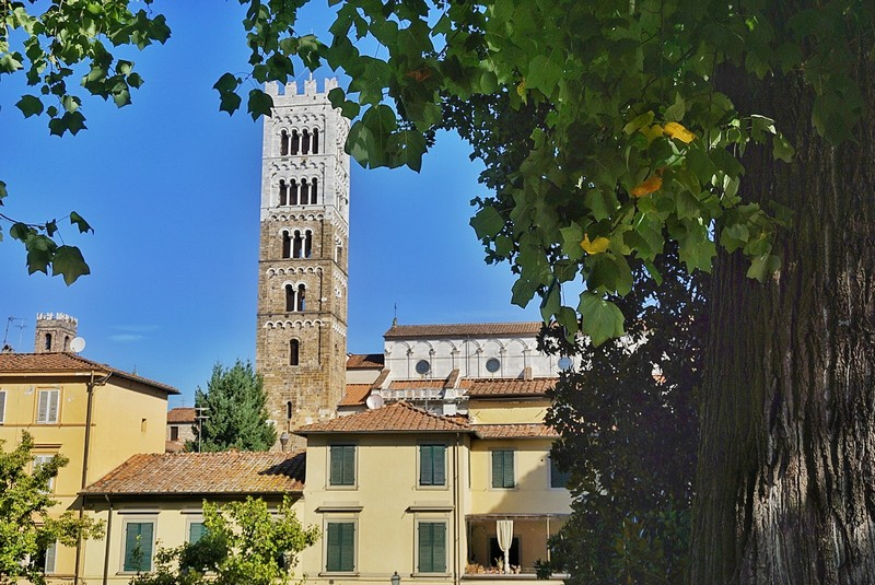 Le attività da fare a Lucca, passeggiare per il centro storico