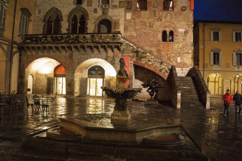 Prato la città tessile, la Fontana del Bacchino,