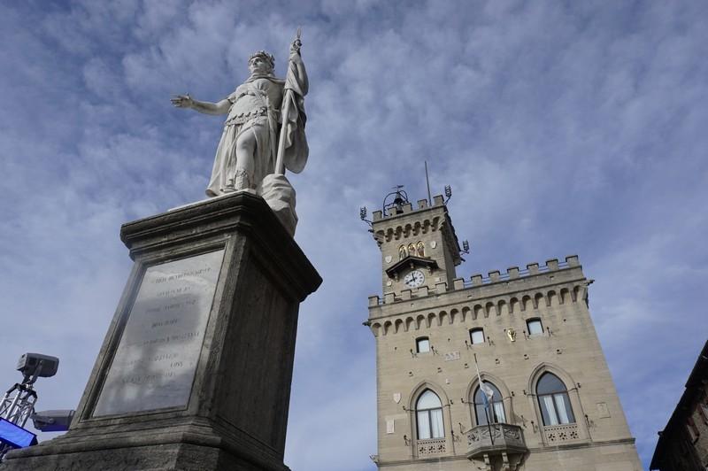 San Marino La Repubblica più antica del mondo- Piazza della Libertà