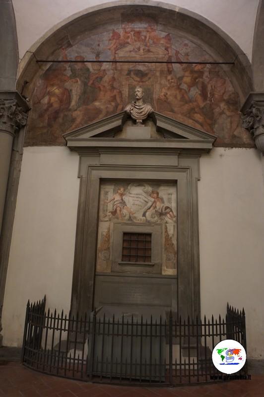 Le curiosità di Firenze- la finestra degli Innocenti