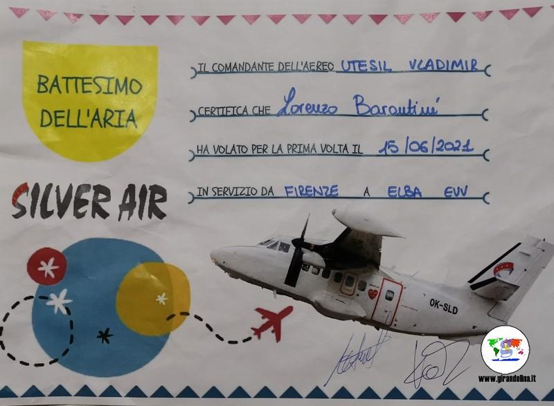 Viaggiare con un neonato in aereo, il Battesimo dell' aria di Lorenzo