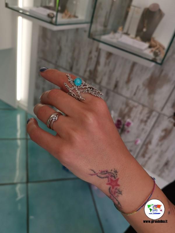 Perle dell'Elba, lo splendido anello corallo blue edition