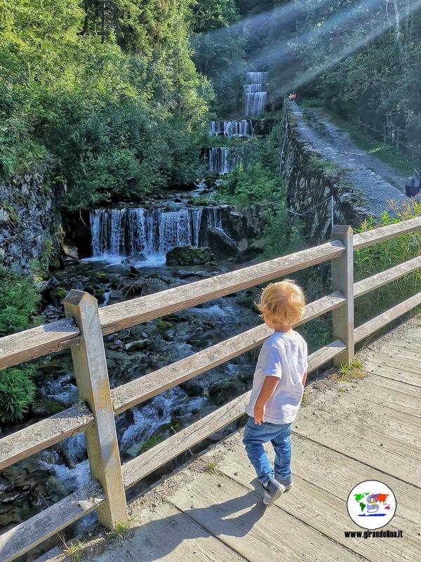 Val d'Ayas passeggiate con bambini, Cascate di Mascognaz